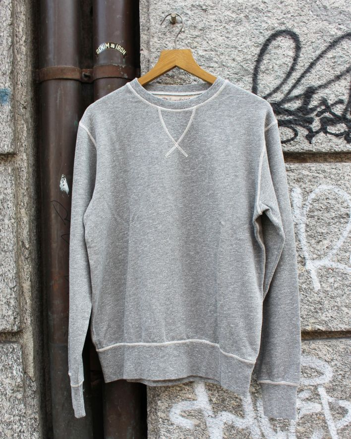 Eat Dust Skull Sweatshirt grey_1