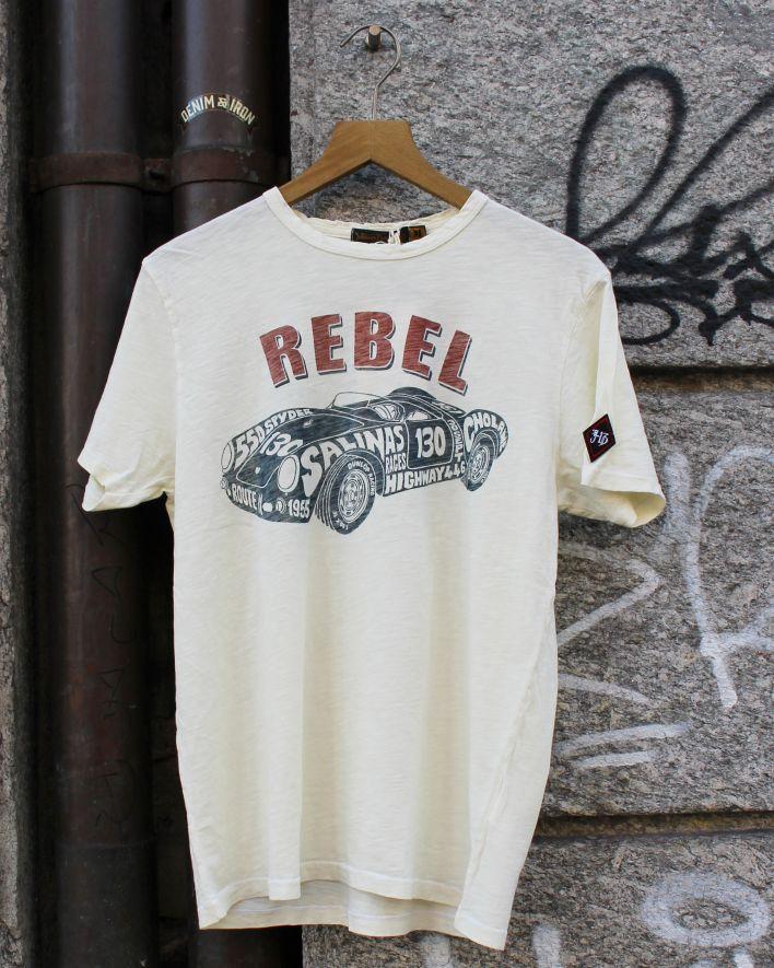 Johnson Motors Rebel 550 white_1