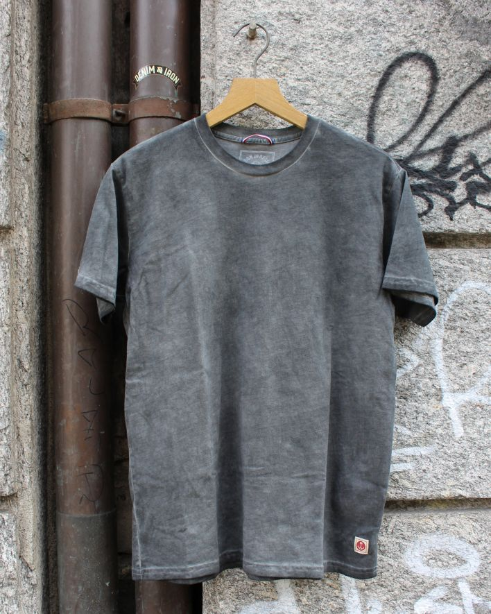 Iron and Resin Tide T-Shirt charcoal_1