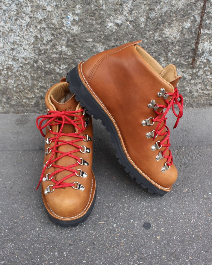 Danner Mountain Light cascade clovis_2