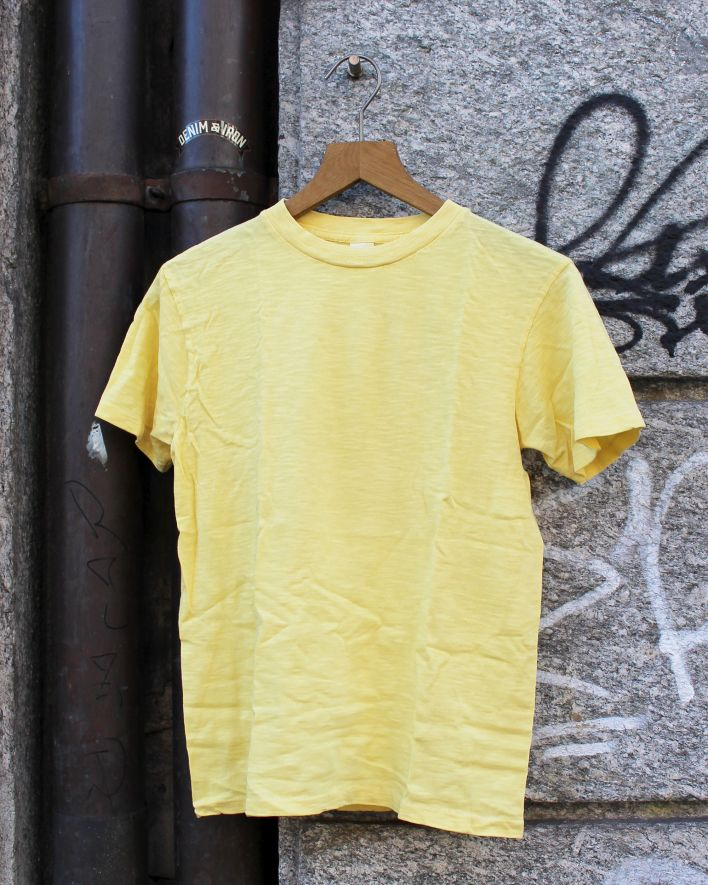 Velva Sheen Rolled Tee light yellow_2