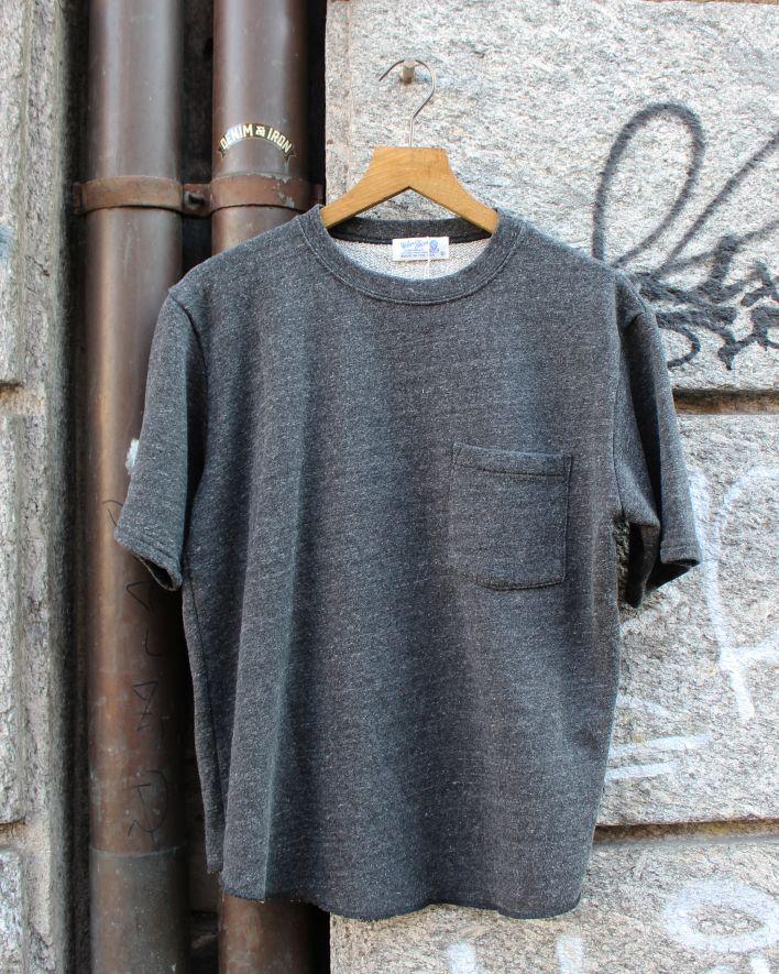 Velva Sheen STKY. Cut Off T-Shirt with Pocket black_2