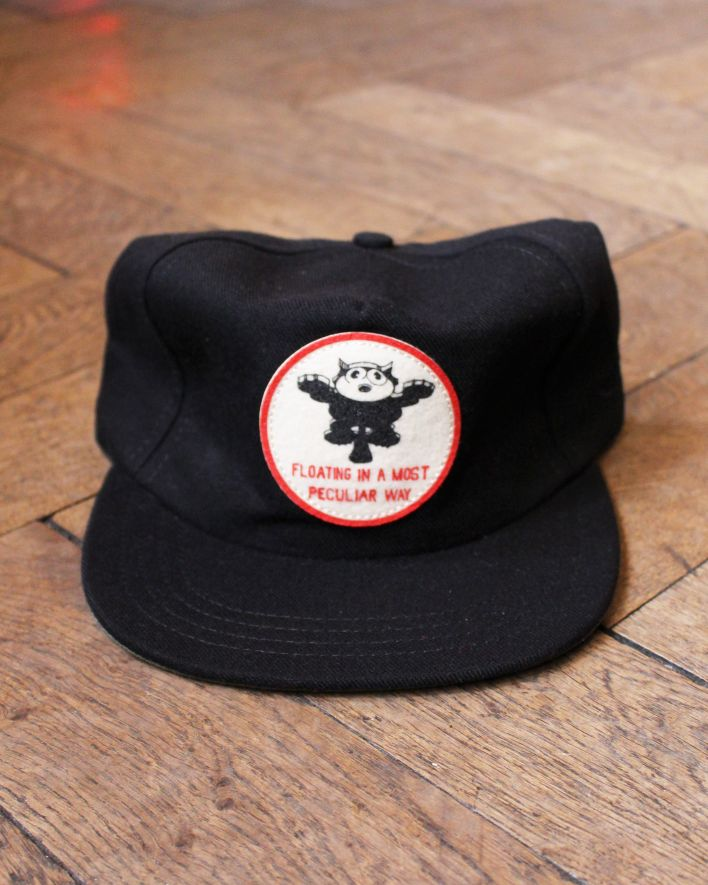 The Ampal Creative FLOATING Cap black_1