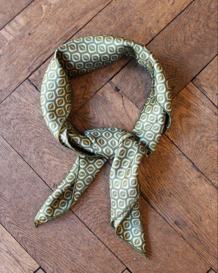 A Piece of Chic FIFTIES Silk Bandana green_1