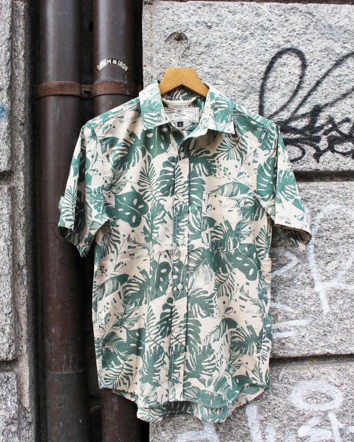 Rogue Territory OXFORD Shirt Short Sleeve green monstera_1.1